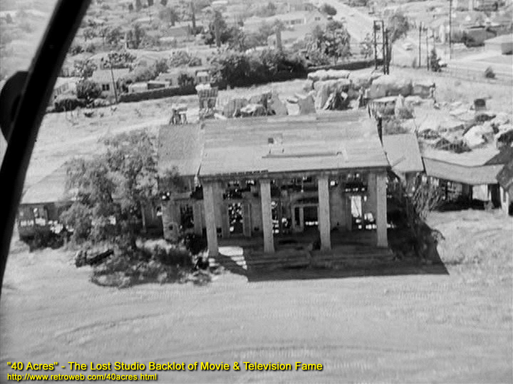 Gone With The Wind 's Tara mansion in ruins on the 40 Acres backlot